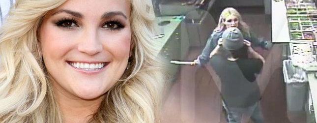 Jamie Lynn Spears straszy nożem w fast foodzie! (FOTO)