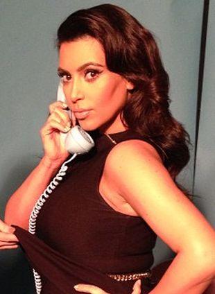 Kim Kardashian pochwaliła się ciążowym brzuszkiem! (FOTO)
