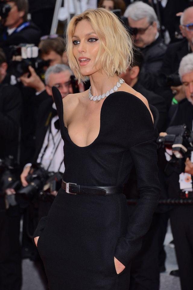Anja Rubik na czerwonym dywanie w Cannes