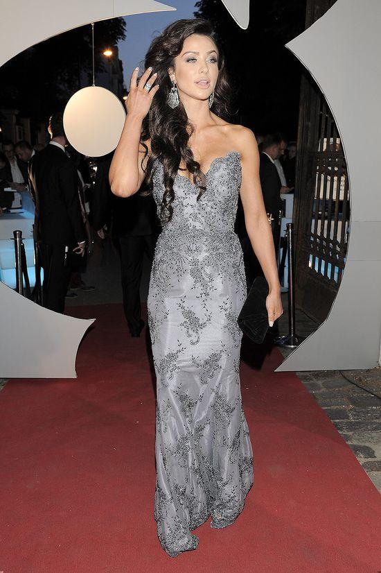Monika Pietrasińska w srebrnej sukni