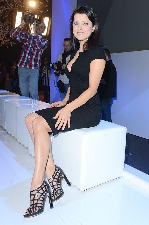Aktorka kusi swoim głębokim dekoltem (FOTO)