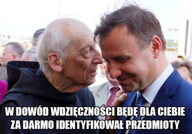 Andrzej Duda ratuje hostię - memy - zdjęcie 9 - Kozaczek.pl
