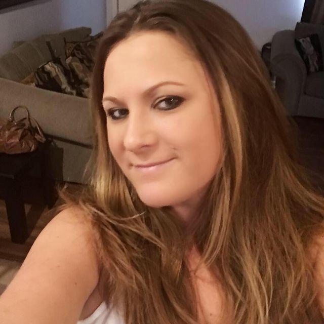 Ta kobieta rzuciła pracę, aby karmić piersią... swojego 36-LETNIEGO CHŁOPAKA!