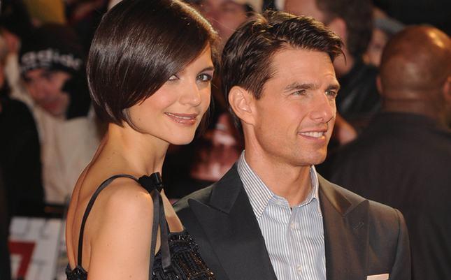 Katie Holmes znów stawia się Tomowi