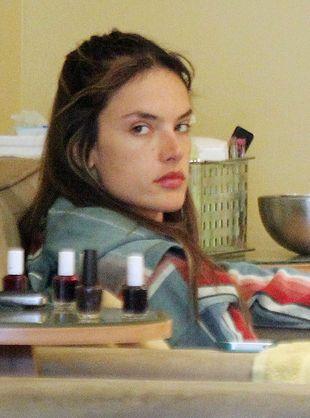 Alessandra Ambrosio bez makijażu (FOTO)
