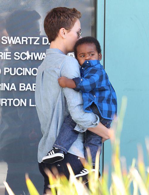 Charlize Theron z synkiem Jacksonem (FOTO)