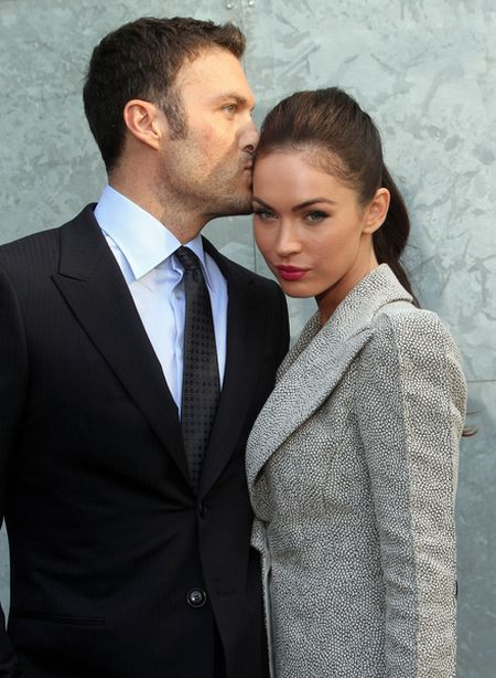 Ciężarna Megan Fox na spacerze z mężem