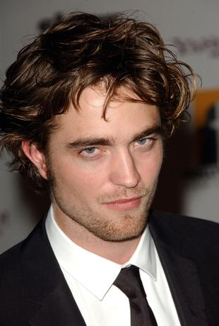 Robert Pattinson jakby lekko otumaniony