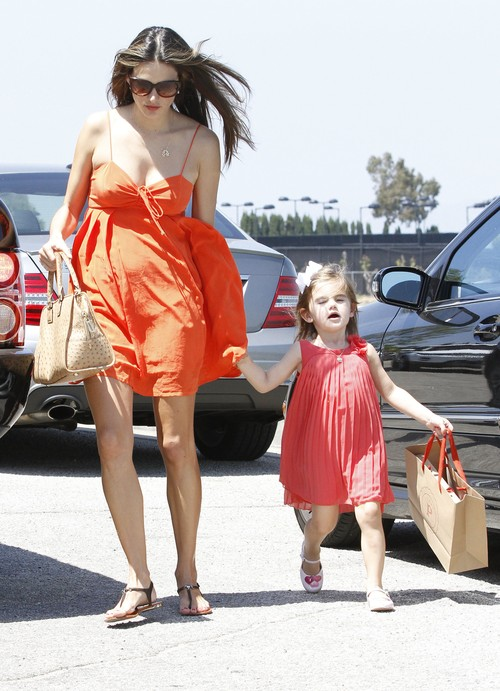 Alessandra Ambrosio i jej c�rka Anja Mazur.