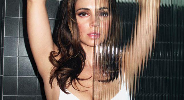 Eliza Dushku rozebrała się dla magazynu Complex (FOTO)