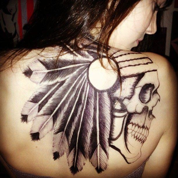Siostra Kim Kardashian zrobiła sobie tatuaż (FOTO)