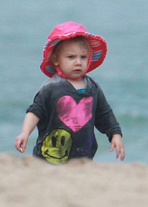 Pink pokazała córeczkę i swój umięśniony brzuch (FOTO)