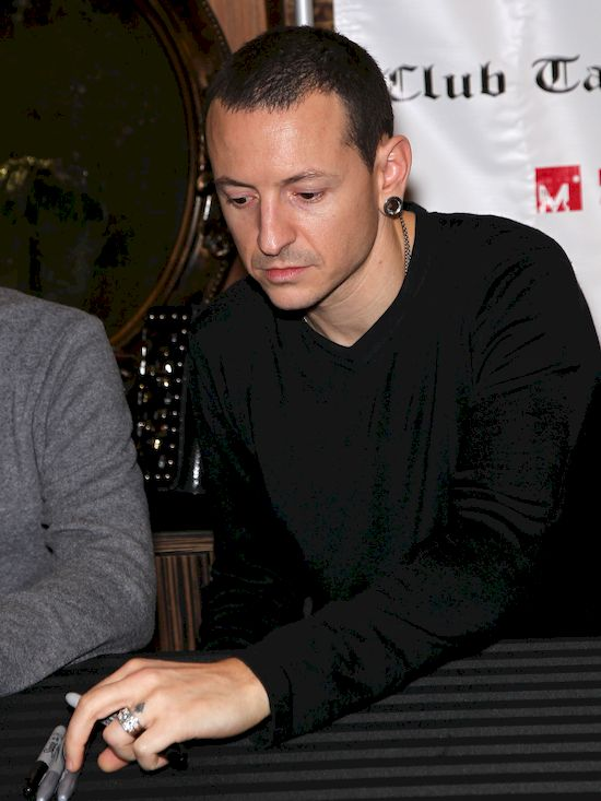 Tragiczna historia, kryjąca się za śmiercią Chestera Benningtona z Linkin Park