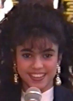 Poznajecie tę  śliczną 13-latkę? (FOTO+VIDEO)