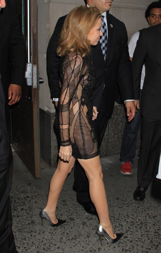 Kylie Minogue bez bielizny