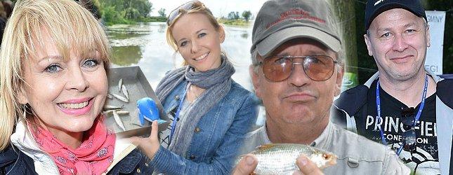 aktorzy łowią ryby