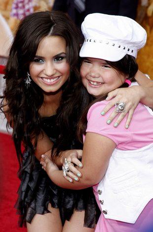 Dojrzały look Demi Lovato (FOTO)