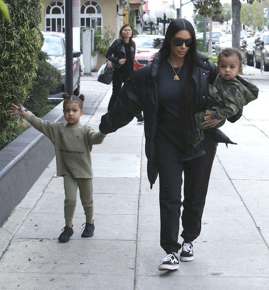 Kim Kardashian ZAJDZIE W CIĄŻĘ dzięki Kris Jenner?!