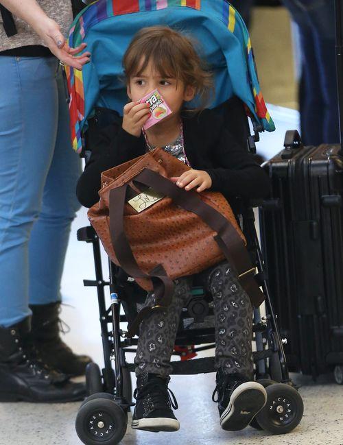 5-letnia córka Jessiki Alby jeździ jeszcze w wózku (FOTO)