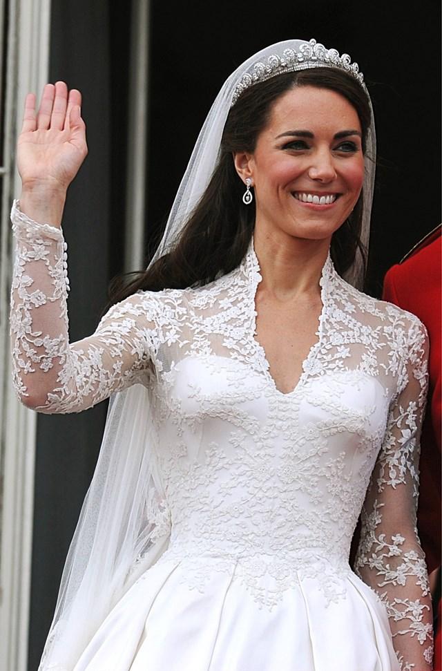 Kate Middleton czy Meghan Markle. Która suknia ślubna była piękniejsza?
