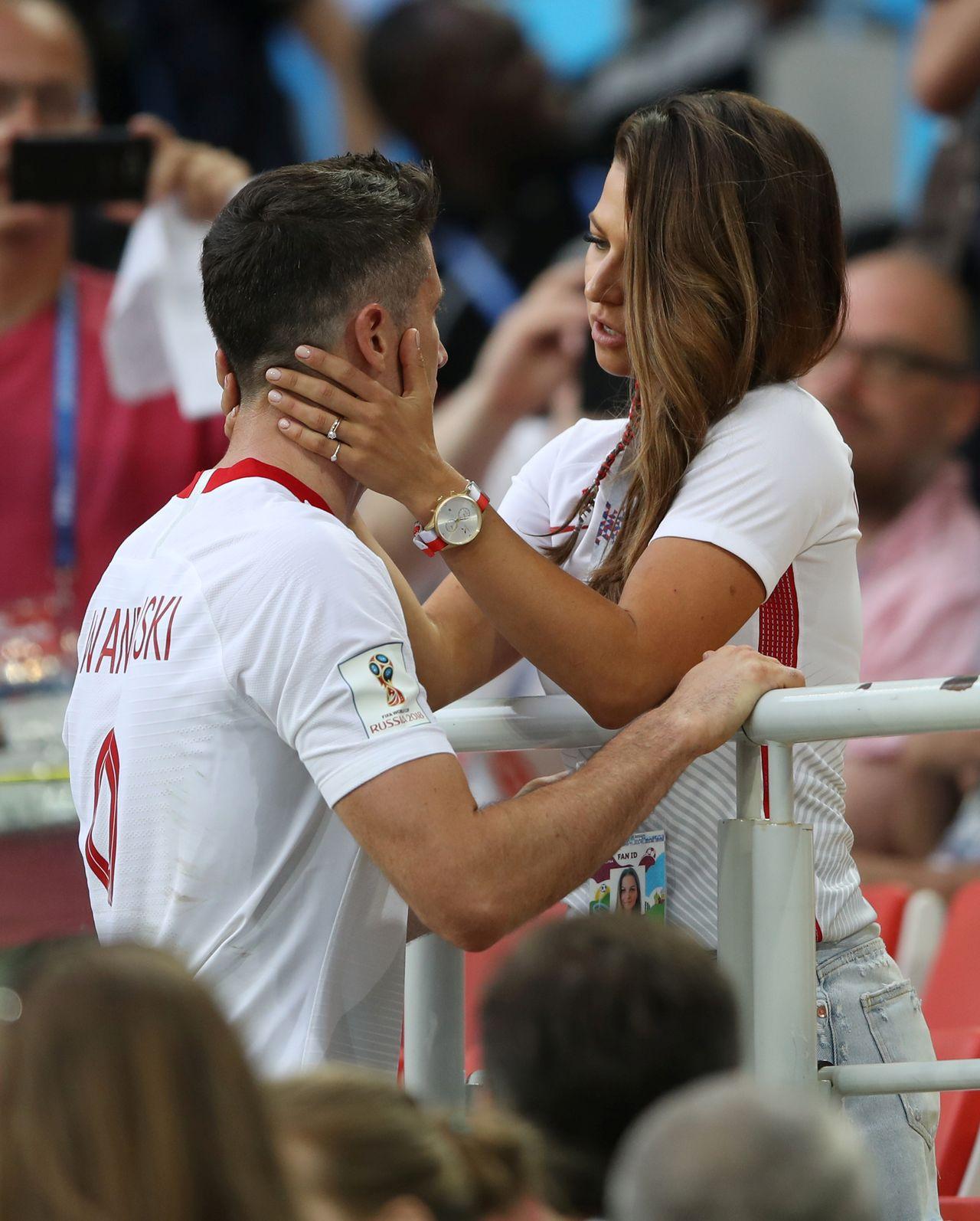 I po stresie - Lewandowska OPALONA na heban odreagowała Mundial