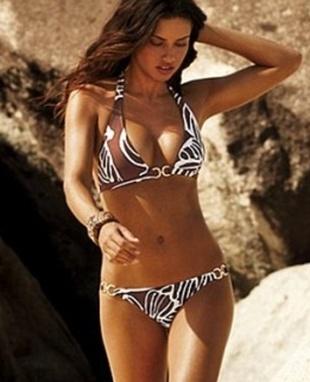 Adriana Lima w seksownej sesji (FOTO)