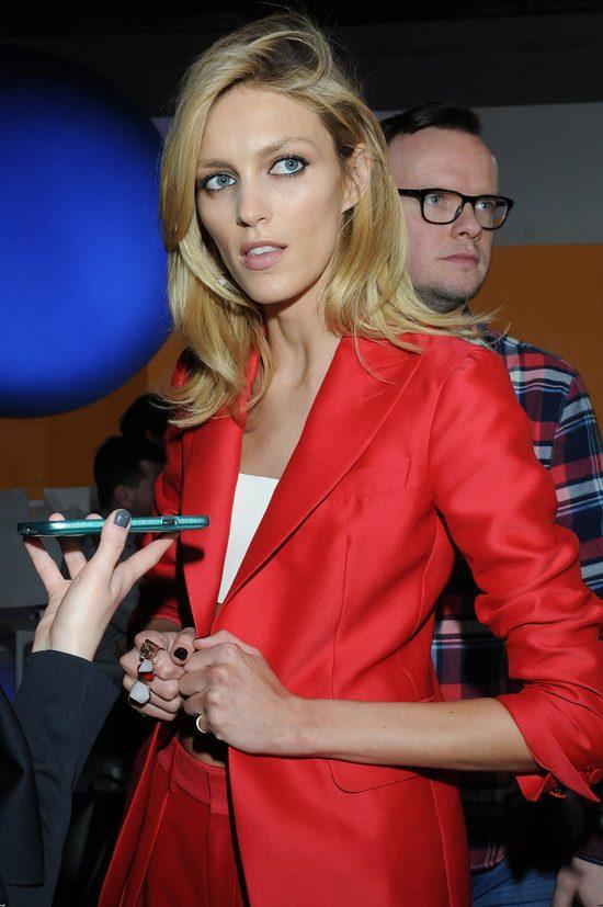 Anja Rubik tez jest blondynką.