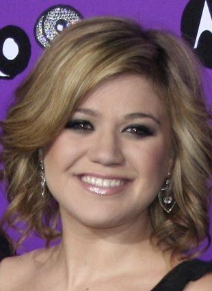 Córeczka Kelly Clarkson rośnie jak na drożdżach (FOTO)
