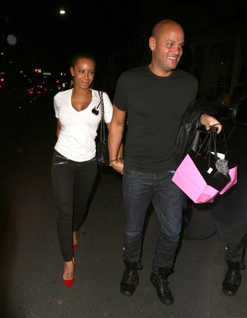 Mel B z mężem wciąż chodzą na randki (FOTO)