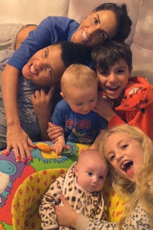 Katie Price chwali się pięciorgiem swoich dzieci (FOTO)