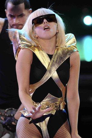 Lady GaGa jest biseksualna (FOTO)