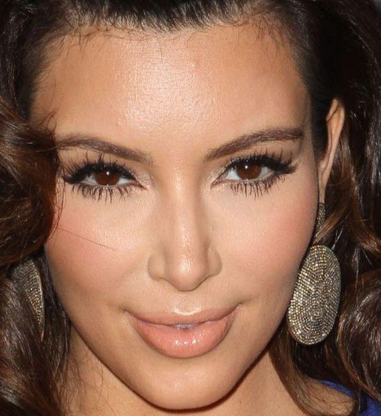 Kim Kardashian zbliżenie na twarz