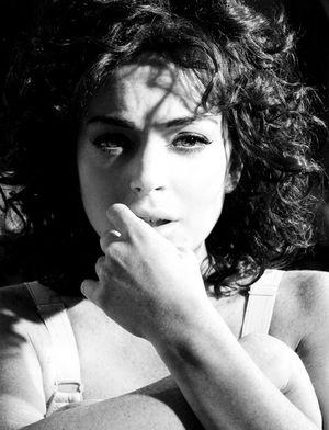 Lindsay w roli gwiazdy porno Lindy Lovelace (FOTO)