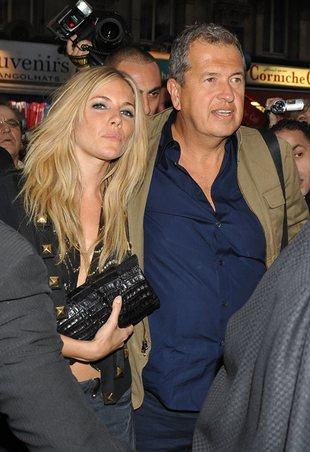 Sienna Miller pod rękę z fotografem gwiazd (FOTO)