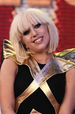 Nowe, szalone kreacje Lady GaGa
