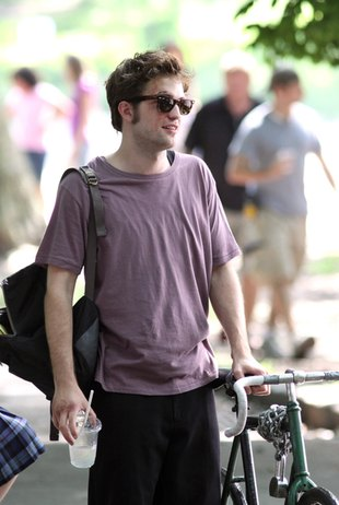 Robert Pattinson na planie Remember Me (FOTO)