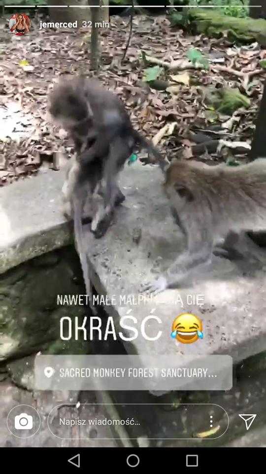 Przerażona Jessica próbuje się uwolnić od napastnika! Została zaatakowana