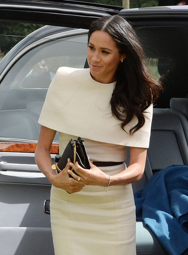 Księżna Meghan miała na sobie piękny prezent od królowej Elżbiety