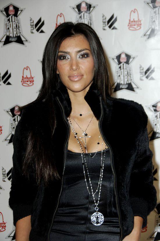 Kim Kardashian (35 l.) jako fanka zabiegów plastycznych, od lat majstrowała przy twarzy. Zdjęcie z 2006 roku.