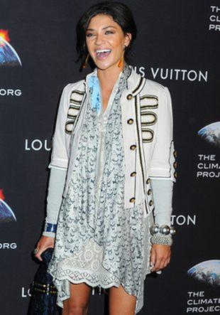 Jessica Szohr bawi się modą (FOTO)