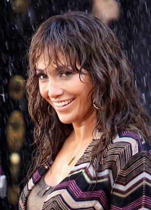 Jennifer Lopez jak mokra kurka (FOTO)