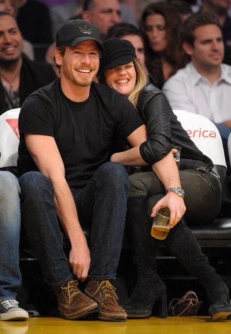 Drew Barrymore z brzuszkiem