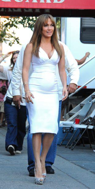 Jennifer Lopez urósł brzuszek (FOTO)