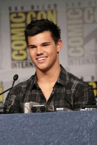 Taylor Lautner już nie chce warczeć (FOTO)