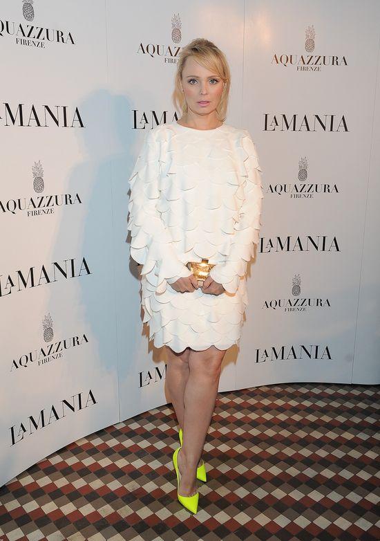 Agnieszka Jastrzębska w białek sukience na pokazie La Manii