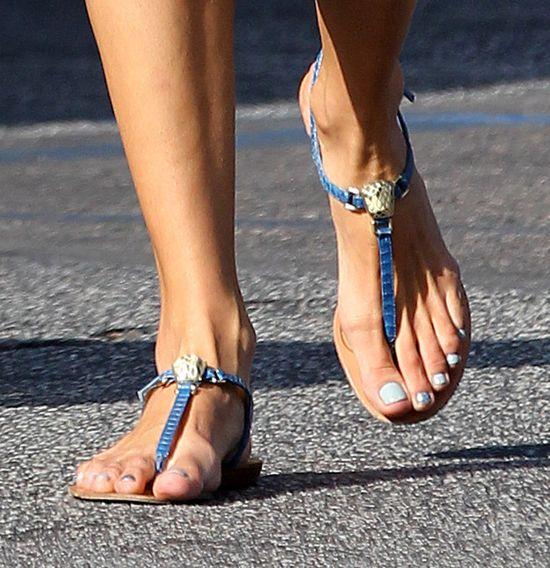 Kto ma takie długie palce u stóp? (FOTO)