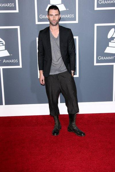 Adam Levine uderzył fankę podczas koncertu (VIDEO)