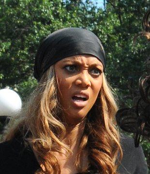 Dlaczego Tyra Banks robi takie miny? (FOTO)