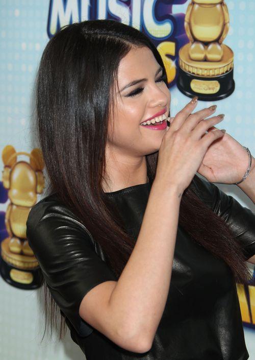 Selena Gomez znowu szczęśliwa i uśmiechnięta (FOTO)