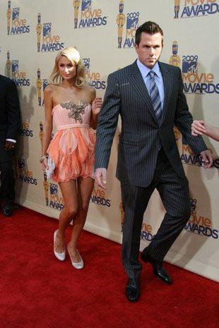Paris Hilton wygląda na bardzo zakochaną